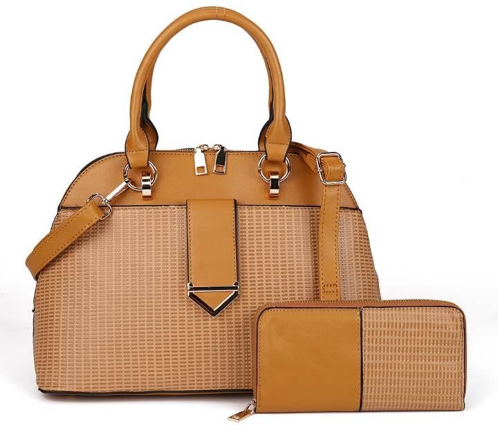 Choose a Handbag For your body shape